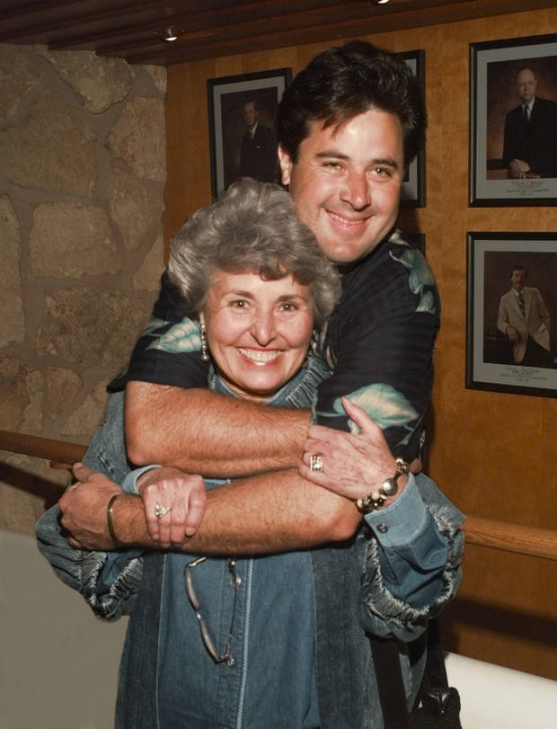 Vince Gill and mom Jerene Gill pose for a photo Monday, April 27, 1998. [The Oklahoman Archives photo]