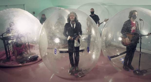 "The Flaming Lips perform ""God and the Policeman"" on ""The Tonight Show Starring Jimmy Fallon"" in September. [NBC photo]"