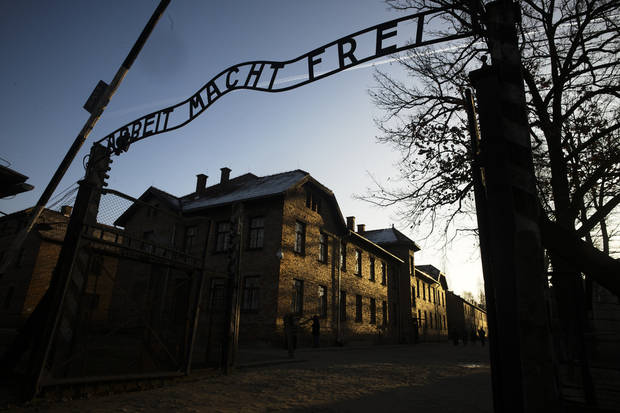 Russia-Poland feud over history clouds Auschwitz anniversary