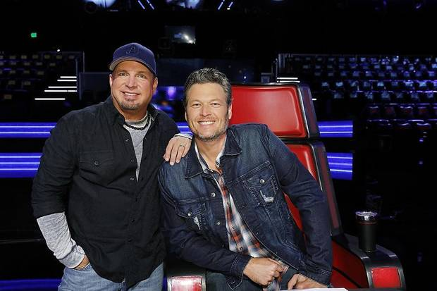 Watch: Garth Brooks and Blake Shelton go underwater for 'Dive Bar' music video