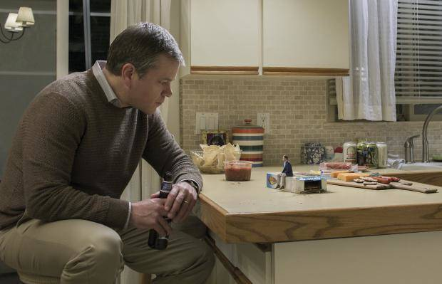 'Downsizing' review: Matt Damon gets small
