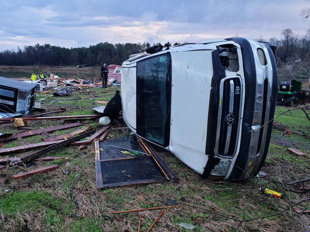 Officials: 3 dead in Alabama, bringing storm death toll to 7