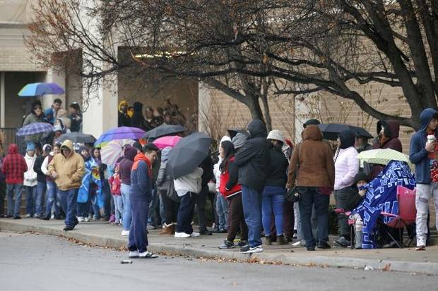 Early shoppers beat Black Friday rush