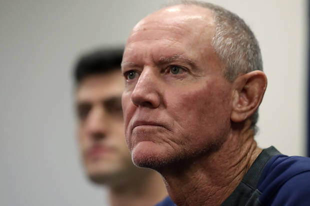 Red Sox make Roenicke interim manager; 'permanency' on hold