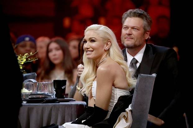 Gwen Stefani and Blake Shelton arrive at the 2019 E! People's Choice Awards at the Barker Hangar on Nov. 10, 2019. [Christopher Polk/E! Entertainment]