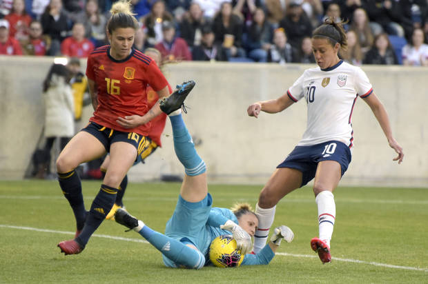 Ertz's header gives US 1-0 win over Spain in SheBelieves Cup