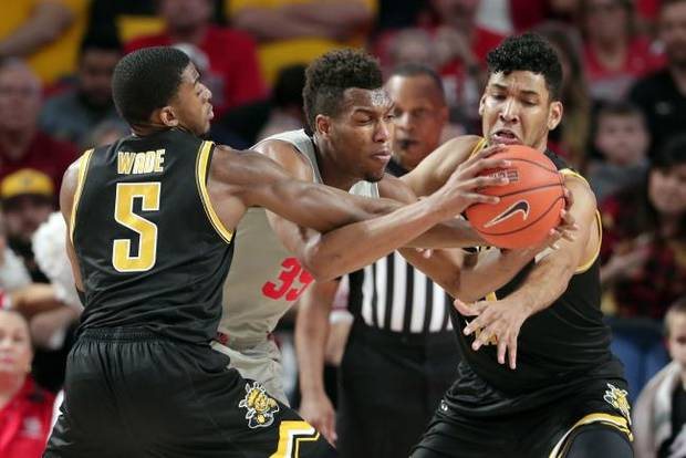 College basketball roundup: Houston rolls Wichita State to take sole possession of first in American Athletic Conference