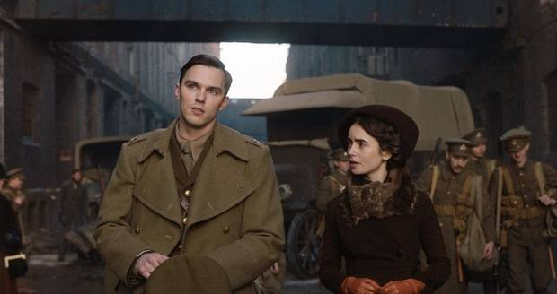"Nicholas Hoult and Lily Collins in ""Tolkien."" [Fox Searchlight photo]"