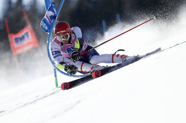 Kranjec wins World Cup giant slalom, leads standings