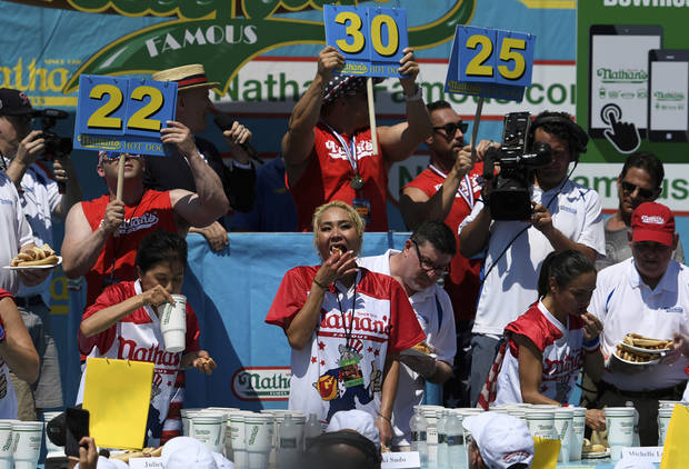 We have a wiener! Joey Chestnut eats 71 hot dogs for title