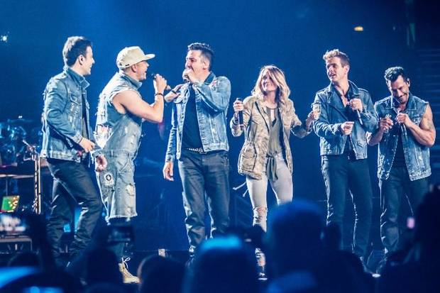 Carrie Underwood stuns New Kids fans with Nashville surprise