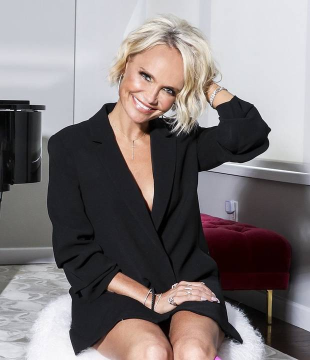 Watch: Kristin Chenoweth leads a vocal warmup on 'The Disney Family Singalong'