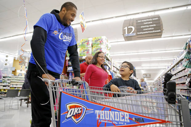 Carmelo Anthony takes OKC family grocery shopping in his first ...