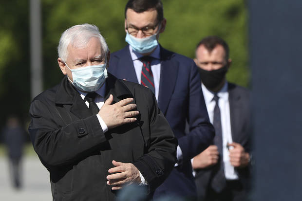 Poland's top politician defends policy after election crisis