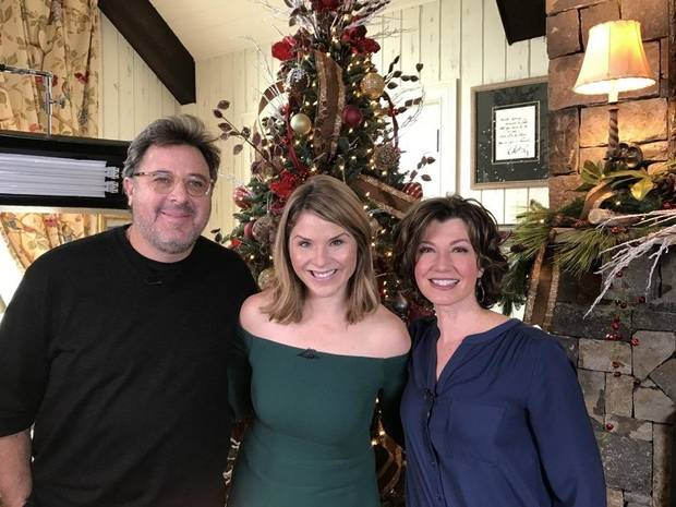 from left vince gill jenna bush hager and amy grant pose for a photo - Amy Grant Home For Christmas