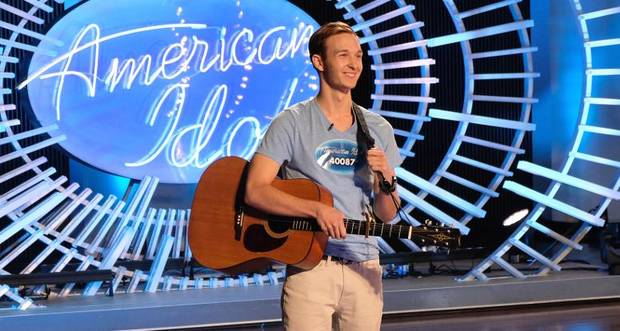 Katy Perry Flirts Up A Storm With Hunky 'American Idol' Contestant