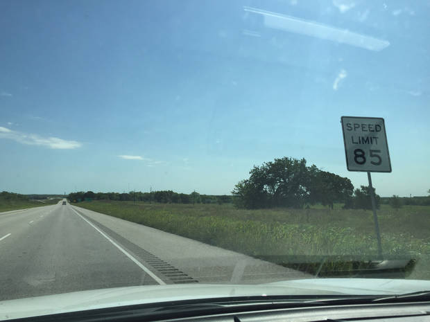 San Antonio travelblog: 90 mph on the Pickle Parkway