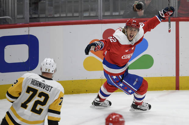 Caps end slide, beat Penguins to move back into 1st place