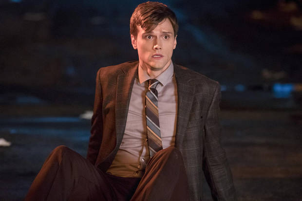 "The Flash -- ""Elongated Journey Into Night"" Pictured: Hartley Sawyer as Dibny -- Photo: Jack Rowand/The CW -- © 2017 The CW Network, LLC. All rights reserved."