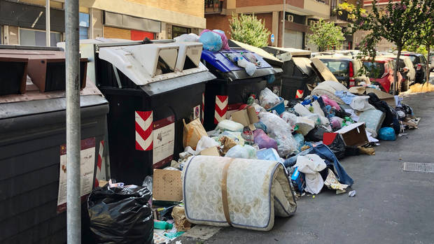 In Rome Uncollected Trash Festers In Scorching Heat