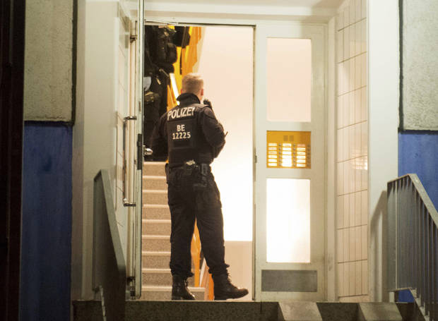 Germany: Police raids over suspected Islamist attack plans