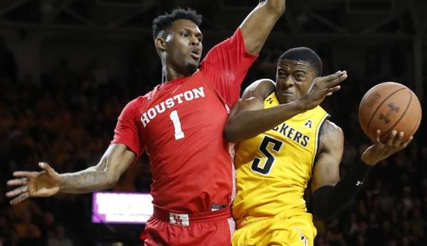 College basketball roundup: Houston hands Wichita State second straight loss