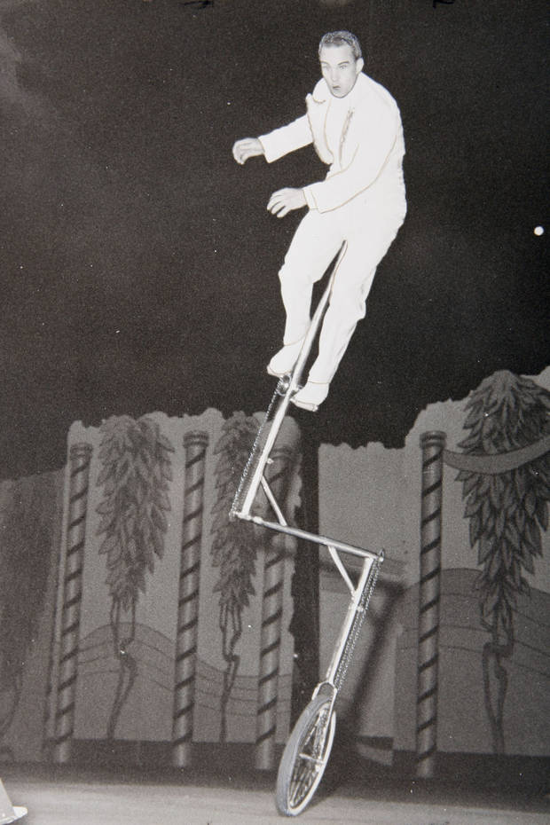 An act at the 1944 State Fair.