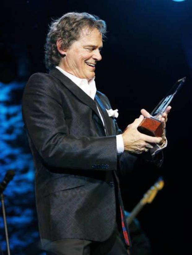 Photos B J Thomas Inducted Into The Oklahoma Music Hall Of Fame During Shine Benefit Concert