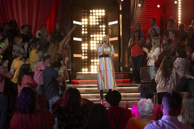 "Kelly Clarkson sings on ""The Kelly Clarkson Show."" [Photo by Adam Christensen /NBCUniversal]"