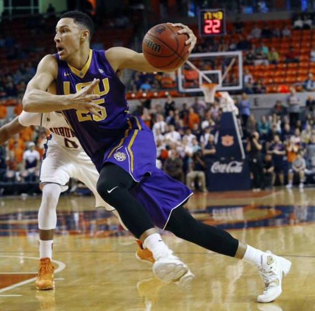 LSU's Ben Simmons drive to the basket against Auburn in the first half of their NCAA college basketball game on Tuesday, Feb. 2, 2016 in Auburn, Ala. LSU won 80-68.(Todd J. Van Emst/Opelika-Auburn News via AP)