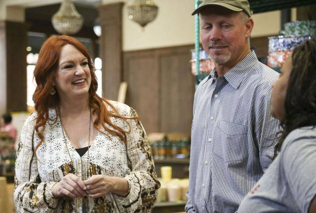Oklahoma family named 23rd largest land owner in united for Pioneer woman ree drummond husband