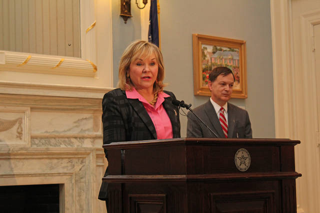 Gov. Mary Fallin announces the GrowOK program Monday during news conference as Scott Meacham, CEO of i2E Inc., stands nearby. The program is designed to boost rural Oklahoma economies by supporting rural communities and American Indian entrepreneurs. [Photo provided]
