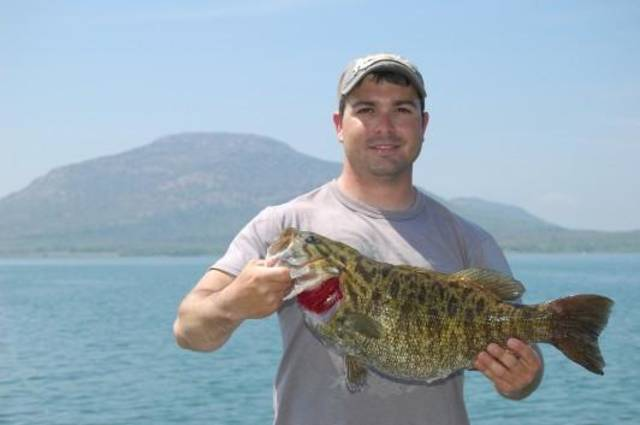 Pocasset man catches oklahoma record smallmouth bass news ok for Kansas fish records