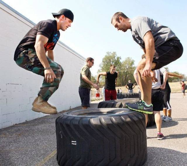 U.S. Air Force Capt. Chris Pace Trains At CrossFit Native In Warr Acres  Saturday,