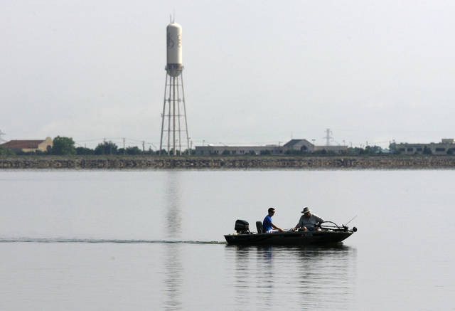 Insurance requirement stops weekly bass tournament on lake for Lake hefner fishing