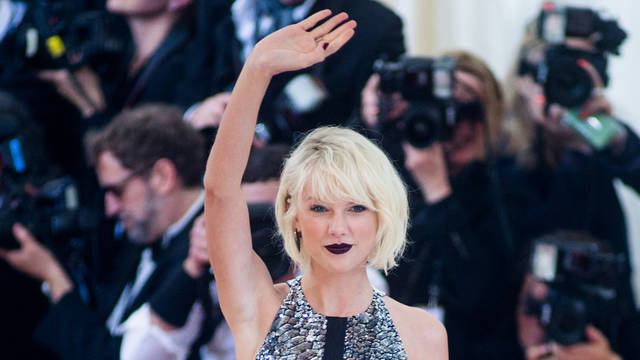 Taylor Swift soars atop U.S. chart, ends 'Despacito' reign