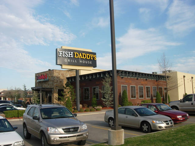 Fish daddy 39 s seafood and grill is a tulsa favorite for for Fish daddy s