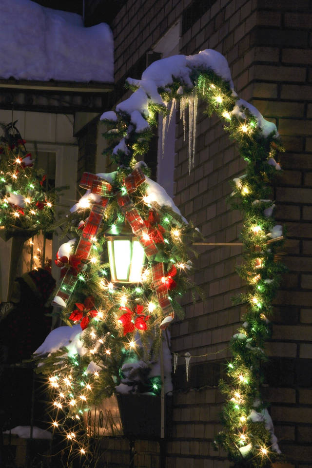 What Date Should Christmas Decorations Come Down When Should You