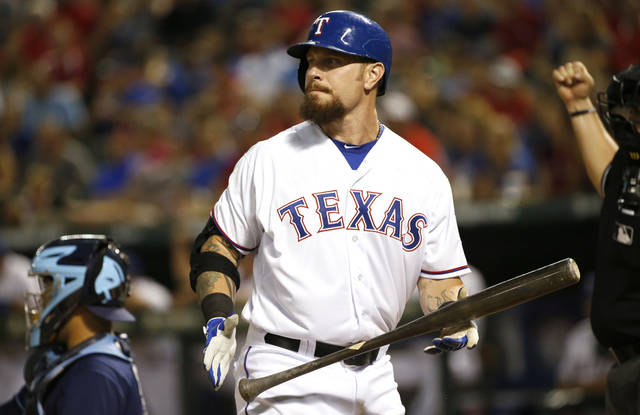 Rangers slugger Hamilton might need another knee surgery