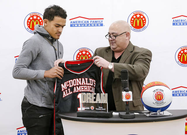 Point guard Trae Young commits to Sooners